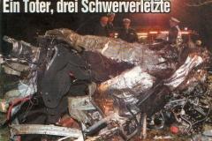 03.12.2000 - Auto in Mitte auseinander gerissen, 1 Toter